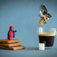 """""""Os Vingadores"""", """"X-Men"""", """"Star Wars"""" e outros heróis em cenas incríveis criadas com Lego!"""