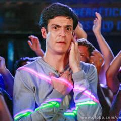 """""""Amor à Vida"""": Félix vai a baile de Valesca Popozuda e leva cantada de mecânico"""