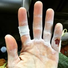 """Jared Leto, o Coringa de """"Esquadrão Suicida"""", machuca a mão e aumenta boatos sobre maldição do vilão"""