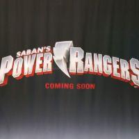 """Novo filme dos """"Power Rangers"""" ganha primeira imagem incrível e logotipo"""