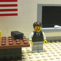 Professor de Lego é nova aposta da Universidade de Cambridge, no Reino Unido! Entenda