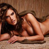 """Alessandra Ambrosio, de """"Verdades Secretas"""", e as 28 fotos sensuais da gata no Instagram!"""
