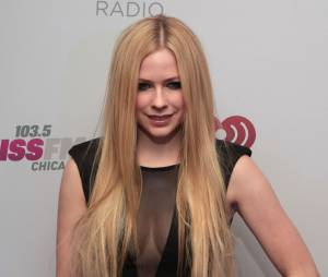 Avril Lavigne fala sobre doença em programa de tv