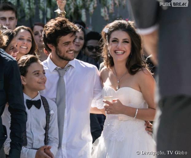 """Em """"Malhação"""", Cobra (Felipe Simas) e Jade (Anaju Dorigon) se casam!"""