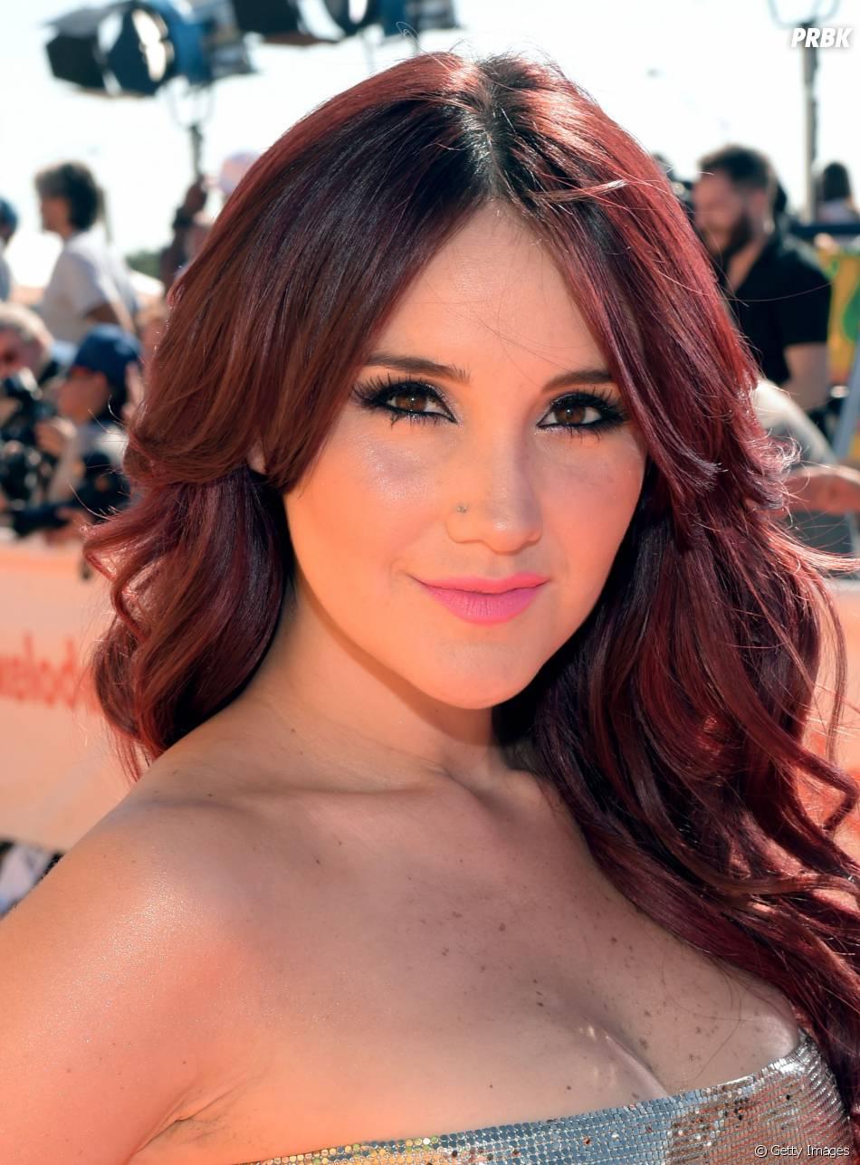 Dulce María teria deixado de ser convidada pelos Premios Juventud por causa do retorno de Anahí