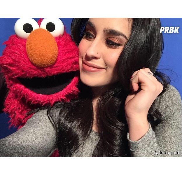 Lauren Jauregui, do Fifth Harmony, ganha flores e posta no Instagram