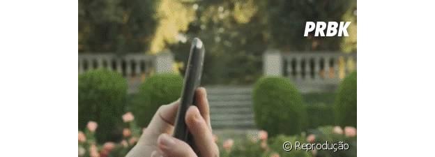 """Através da tecnologia """"Android Beam"""" é possível transferir fotos e vídeos com os amigos pelo NFC"""