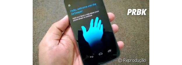 Para silenciar o smartphone apenas com as mãos ative o Air Gesture do Android