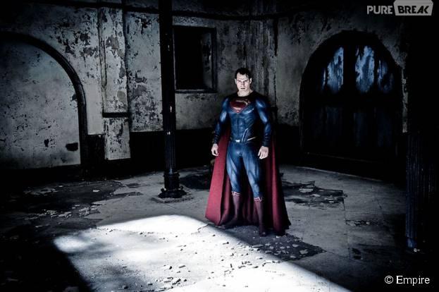 "Superman (Henry Cavill) aparece na Mansão Wayne do ""Batman Vs Superman"""