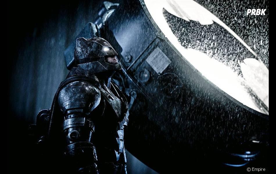 """Batman (Ben Affleck) e o Bat-sinal no filme """"Batman Vs Superman"""""""