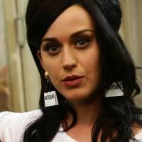 """Katy Perry é alvo de críticas após lista de exigências da turnê """"Prismatic"""" ser divulgada na web!"""
