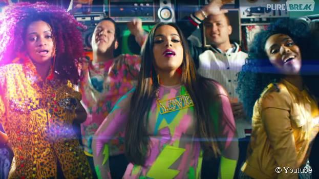 """Sucesso absoluto com """"Deixa Ele Sofrer"""", Anitta comemora aceitação do público ao single"""