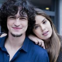 """Novela """"Verdades Secretas"""": Angel (Camila Queiroz) e Alex são descobertos por Gui!"""