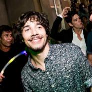 """Novela """"Malhação"""": Vitor Novello, o Luan, revela como quis ser ator: """"Fazendo teatrinho de fantoche"""""""