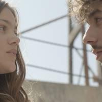 """Novela """"Malhação"""": Alina dá em cima de Luan para provocar Luciana e Rodrigo (Nicolas Prattes)!"""