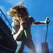 Harry Styles, do One Direction, é acertado por lata de energético no rosto durante show nos EUA