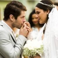 """Novela """"I Love Paraisópolis"""": Mari (Bruna Marquezine) e Ben (Maurício Destri) finalmente se casam!"""
