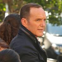 """Em """"Agents of SHIELD"""": na 3ª temporada, Coulson (Clark Gregg) monta nova equipe poderosa!"""