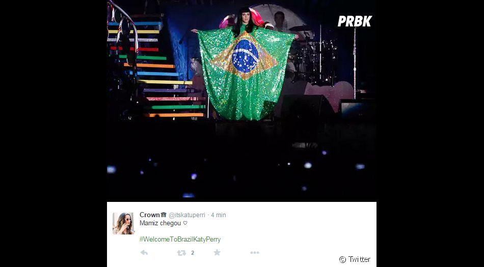Vem Katy Perry, dar um abraço nos seus admiradores!