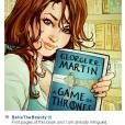 """A Bela sempre leu bastante! Agora resolveu mostrar no Instagram que está lendo """"Game of Thrones"""", esperta ela, né?"""