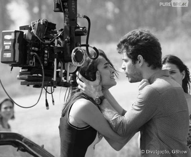 """Em """"I Love Paraisópolis"""", Maurício Destri e Maria Casadevall gravam cenas de Margot e Ben procurando a pequena Maria!"""