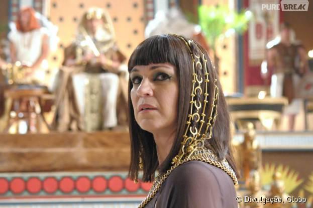 """Em """"Os Dez Mandamentos"""": Yunet(Adriana Garambone) é condenada à morte por Ramsés (Sérgio Marone)"""
