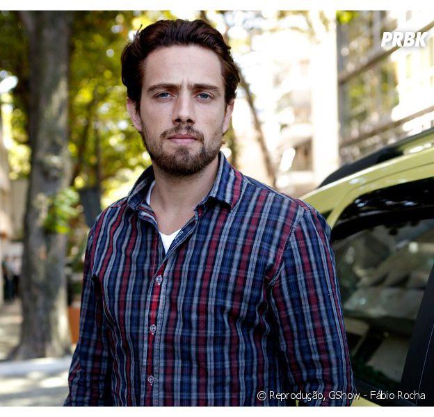 "De ""Além do Tempo"", Rafael Cardoso, o Felipe, muda o visual para a segunda fase da novela!"