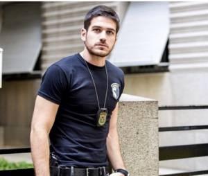 """Marco Pigossi, de """"A Regra do Jogo"""", tá arrasando como o policial Dante"""