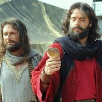 """Novela """"Os Dez Mandamentos"""": Moisés conversa com Deus após ouvir reclamações dos hebreus!"""