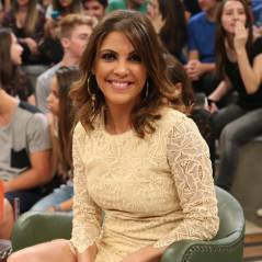 """Thalita Rebouças vai ao programa """"Altas Horas"""" e comenta sucesso de seus livros: """"Fico honrada"""""""