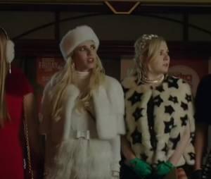 """Em """"Scream Queens"""": Red Devil atrapalha dia de compras de Chanel (Emma Roberts) e seguidoras!"""