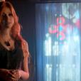 """A híbrida Clary Fray (Katherine McNamara) vai passar por poucas e boas ao aprender a lutar contra demônios em""""Shadowhunters"""""""