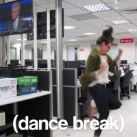 """Viral: Menina faz """"dança da demissão"""" e vídeo já tem 5 milhões de visualizações"""