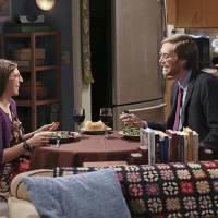 """Em """"The Big Bang Theory"""": na 9ª temporada, Amy tem um novo encontro com Dave após climão!"""