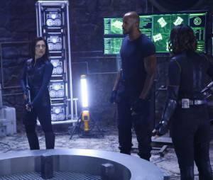 "Em ""Agents of SHIELD"": batalha em planeta alienígena marca midseason finale!"