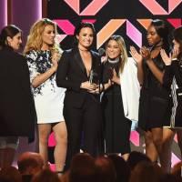 Women in Music: Selena Gomez, Demi Lovato, Fifth Harmony e mais brilham em premiação da Billboard!