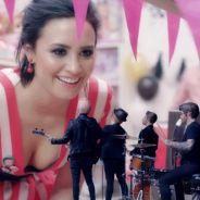 """Demi Lovato surge sexy e cheia de atitude no novo clipe do Fall Out Boy. Assista """"Irresistible""""!"""