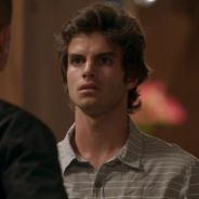 """Novela """"Totalmente Demais"""": Fabinho (Daniel Blanco) é preso após nova armação ser descoberta!"""