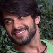 """No """"BBB16"""", Renan fala sobre flerte de Munik com brothers: """"Resisti, mas foi difícil"""""""