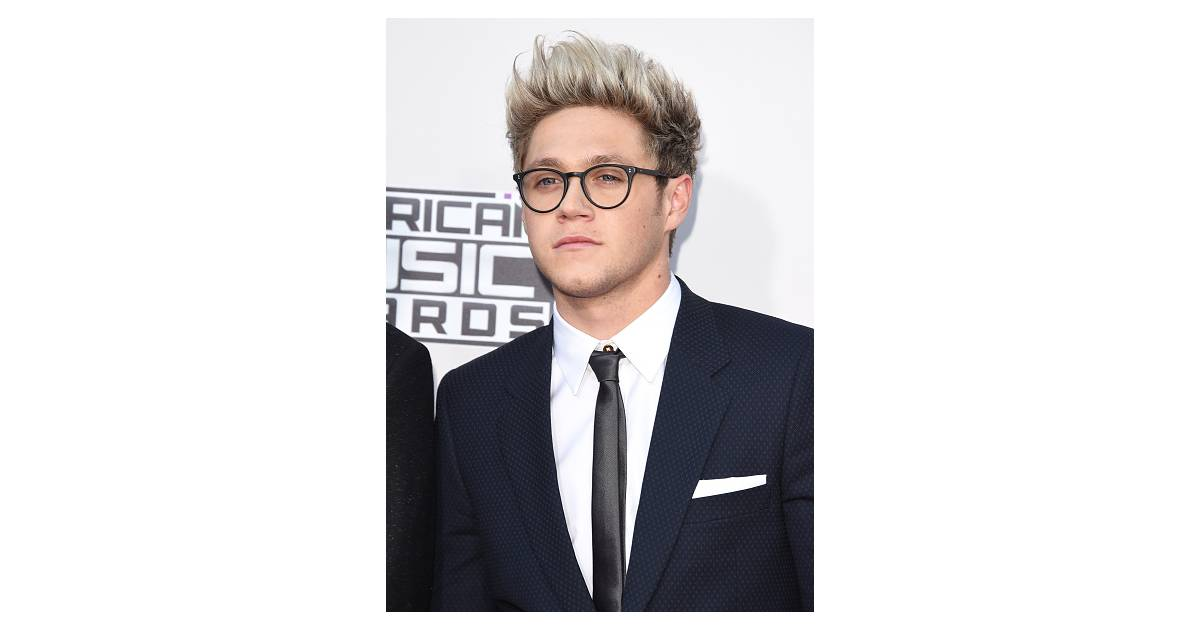 Niall Horan, do One Direction, MC Gui, Christian Figueiredo e mais famosos  que arrasam de óculos! - Purebreak 6bb4c08875