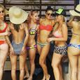 No Havaí,Nina Dobrev aproveita folga e posa pra fotos com suas BFF