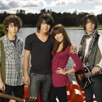 """Demi Lovato, Nick Jonas, Joe Jonas e como está o elenco de """"Camp Rock"""" atualmente!"""