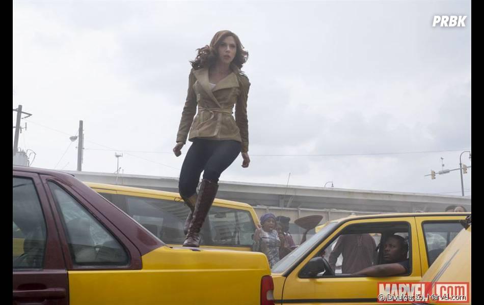 """Nas novas imagens de """"Capitão América 3: Guerra Civil"""", os heróis aparecem vestidos como civis"""