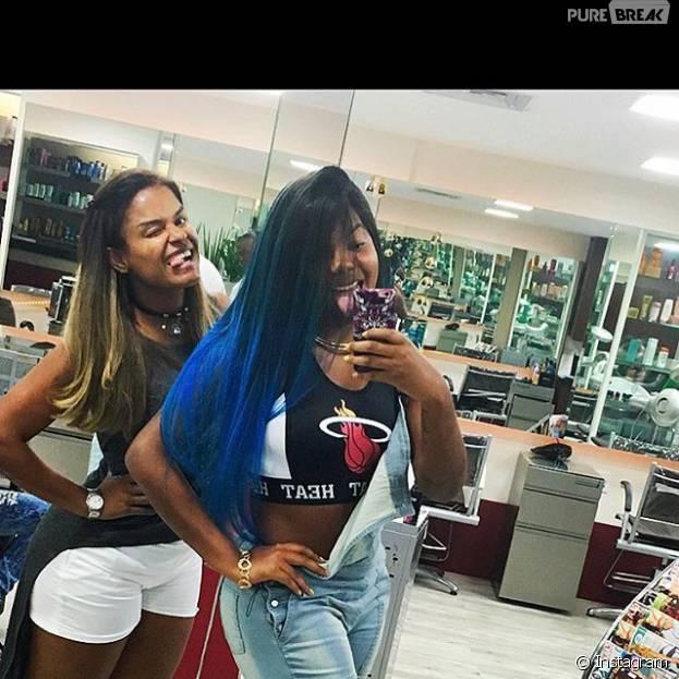 Ludmilla pinta o cabelo de azul e posta foto nas redes sociais!