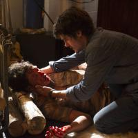 """Na novela """"Em Família"""": Laerte briga com Virgílio e quase mata o vaqueiro!"""