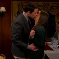 "Em ""The Big Bang Theory"": Sheldon e Amy se beijam na 7ª temporada!"