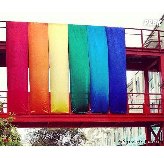 Facebook até decorou sua sede com as cores do arco-íris!