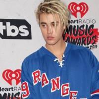 """Justin Bieber se arrepende e chama fãs para Meet & Greet no estacionamento da """"Purpose World Tour""""!"""