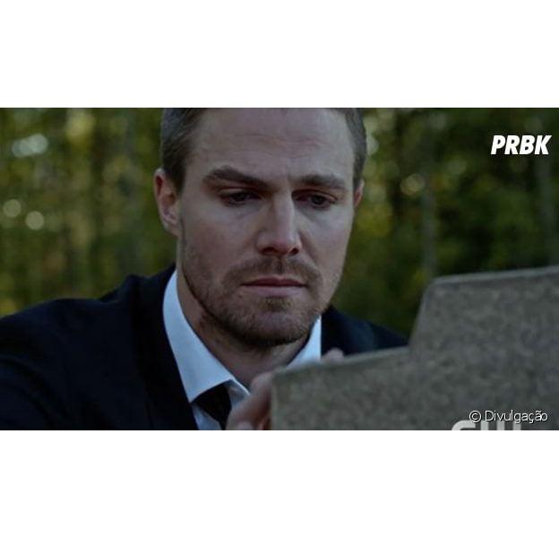 """Em """"Arrow"""": Oliver (Stephen Amell) promete se vingar de responsável por morte misteriosa. Veja quem é!"""