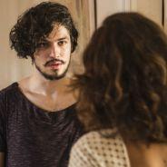 """Novela """"Velho Chico"""": Miguel (Gabriel Leone) volta de viagem e causa briga entre Tereza e Carlos"""